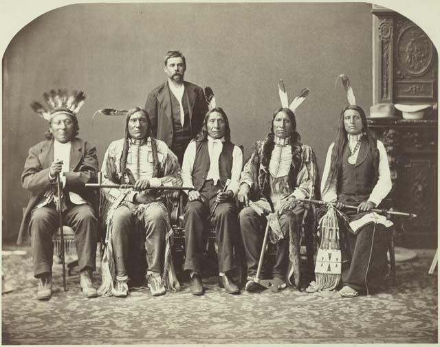 http://www.american-tribes.com/Lakota/Oglala/RedShirt/RedShirt5.jpg