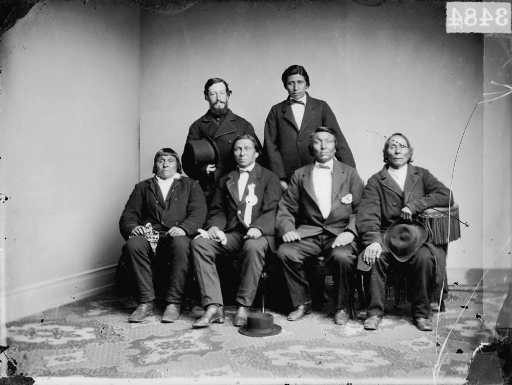 http://www.american-tribes.com/messageboards/dietmar/1867santeedelegation2.jpg