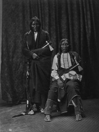 http://www.american-tribes.com/messageboards/dietmar/1873littlewolfyellowbear.jpg