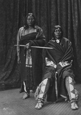 http://www.american-tribes.com/messageboards/dietmar/1873plentybearoldeagle.jpg