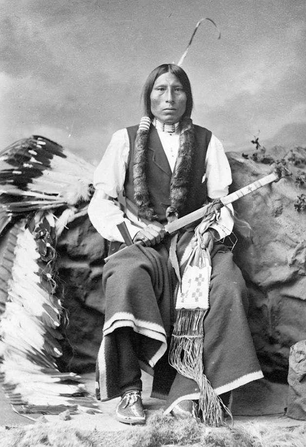 http://www.american-tribes.com/messageboards/dietmar/1877sword.jpg