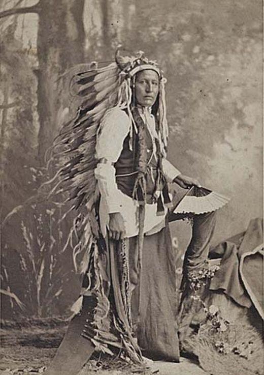 http://www.american-tribes.com/messageboards/dietmar/1879LabanLittleWolf2.jpg
