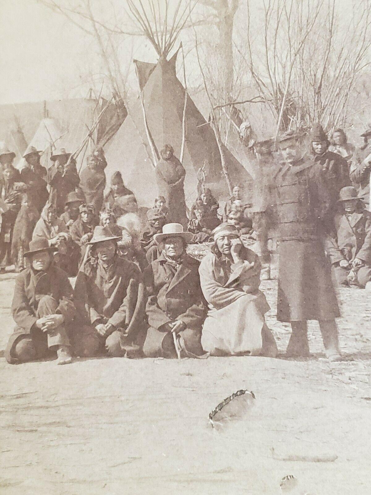 http://www.american-tribes.com/messageboards/dietmar/1891woundedknee3.jpg
