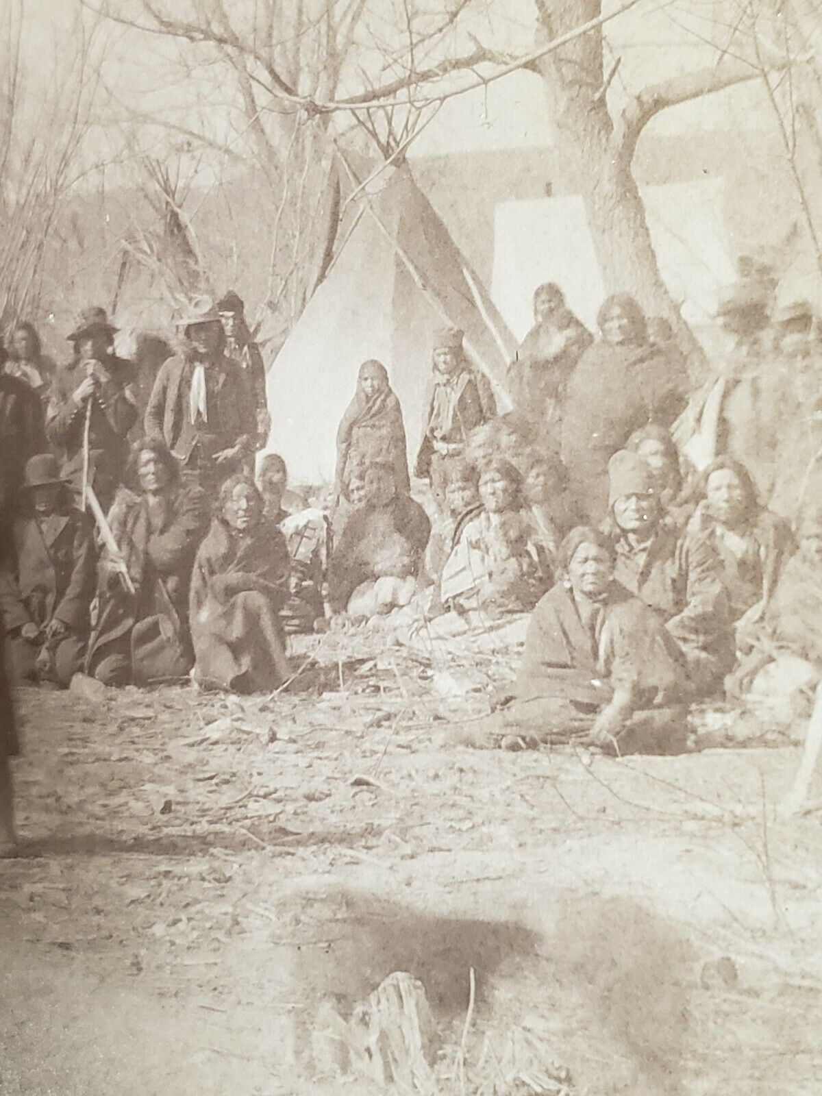 http://www.american-tribes.com/messageboards/dietmar/1891woundedknee5.jpg