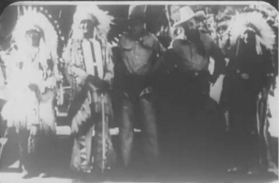 http://www.american-tribes.com/messageboards/dietmar/1935Stratosphere4.jpg