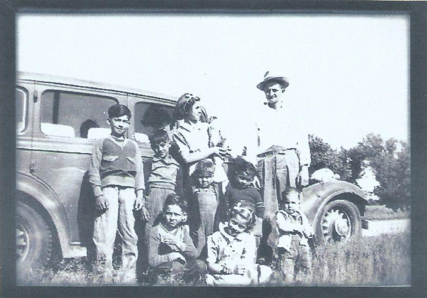 http://www.american-tribes.com/messageboards/dietmar/GrandpaLester.jpg