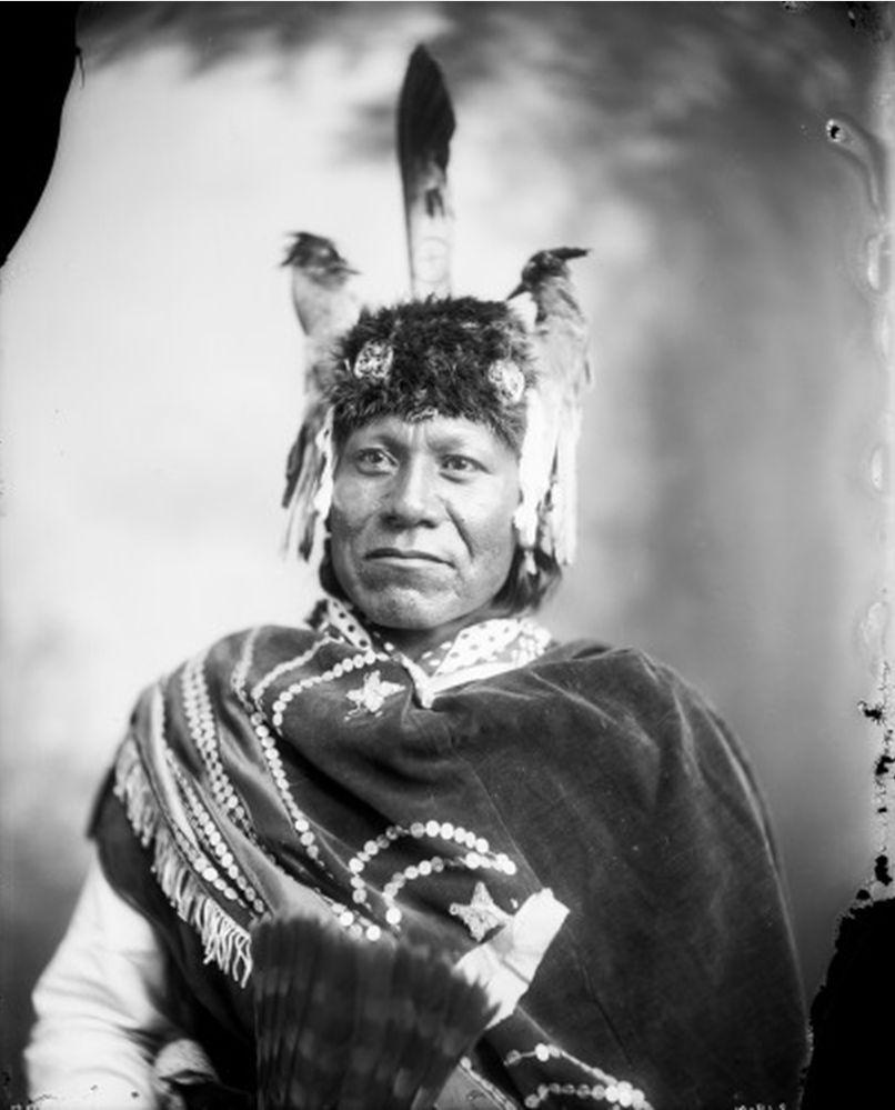 http://www.american-tribes.com/messageboards/dietmar/MitchBouyer.jpg
