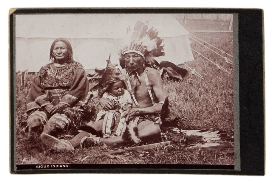 http://www.american-tribes.com/messageboards/dietmar/TurningBearwife.jpg