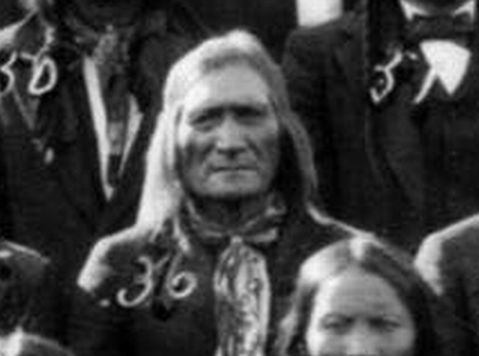 http://www.american-tribes.com/messageboards/dietmar/WalkingEagle1888.jpg
