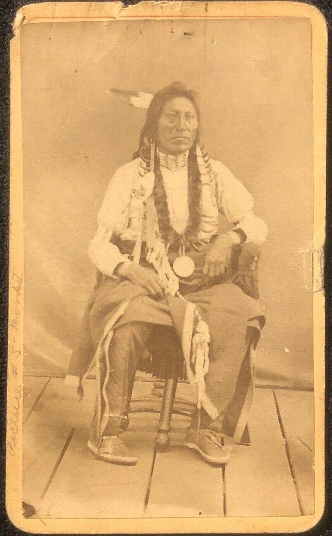 http://www.american-tribes.com/messageboards/dietmar/gooselucas1.jpg