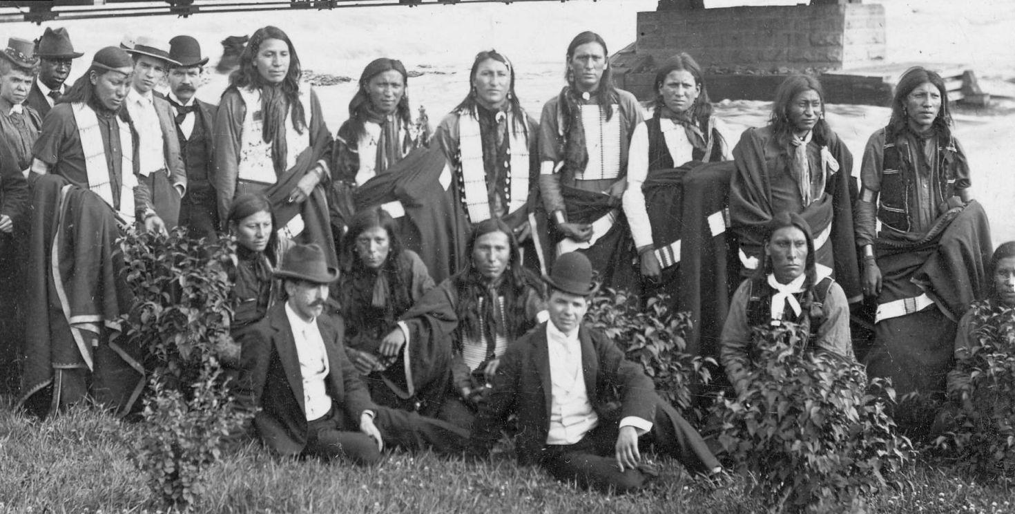 http://www.american-tribes.com/messageboards/dietmar/groupniagara1.jpg