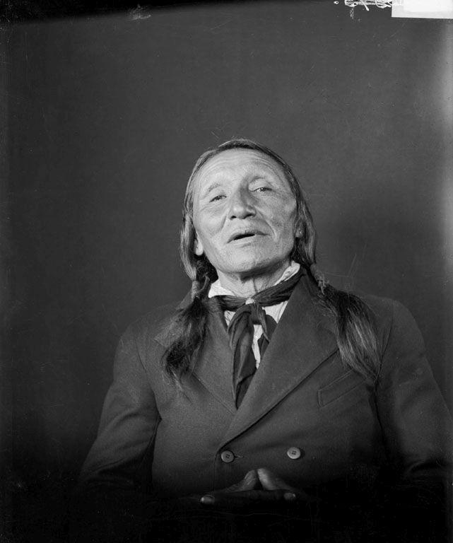 http://www.american-tribes.com/messageboards/dietmar/ironlightning1906.jpg