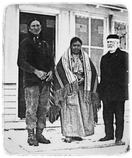 http://www.american-tribes.com/messageboards/dietmar/littlecrow4.jpg