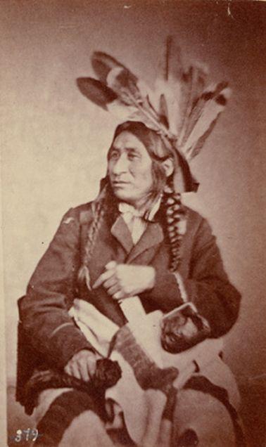 http://www.american-tribes.com/messageboards/dietmar/littlecroworojibwa2.jpg