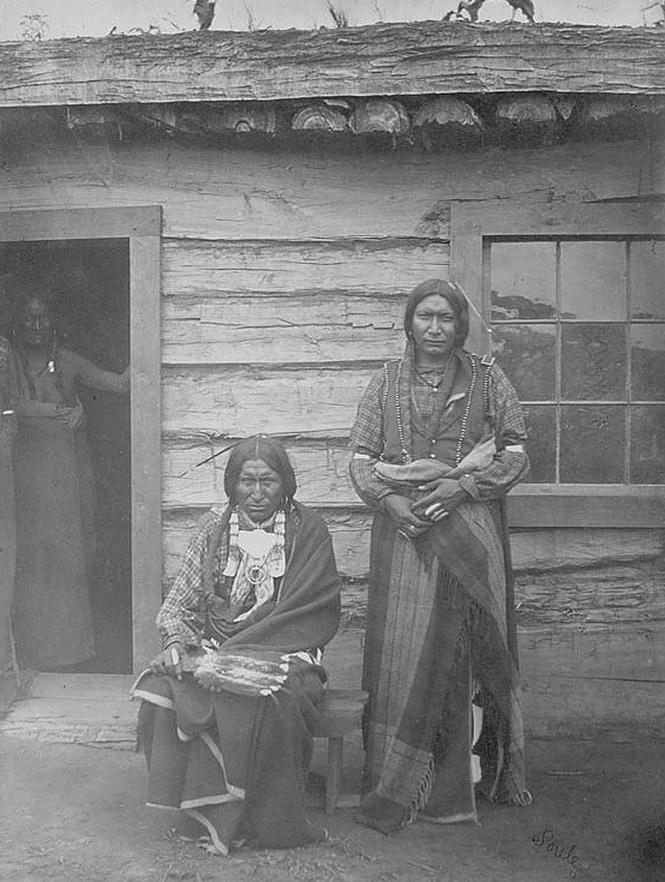 http://www.american-tribes.com/messageboards/dietmar/littleraven2.jpg