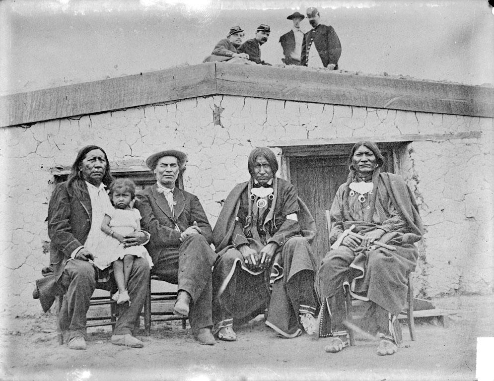 http://www.american-tribes.com/messageboards/dietmar/littleraven3.jpg