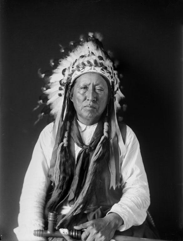 http://www.american-tribes.com/messageboards/dietmar/littleraven6.jpg
