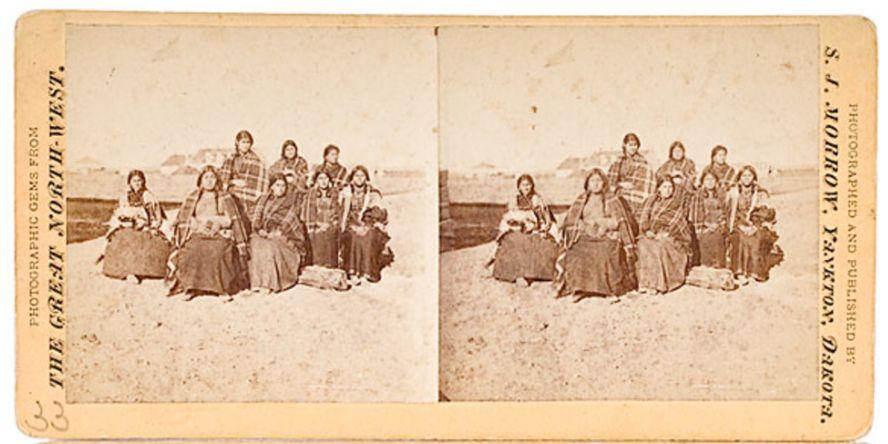 http://www.american-tribes.com/messageboards/dietmar/morrowwomen.jpg
