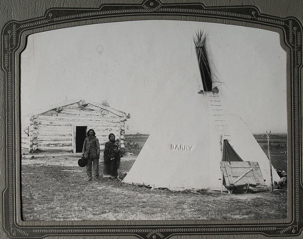 http://www.american-tribes.com/messageboards/dietmar/onebullfamily3.jpg