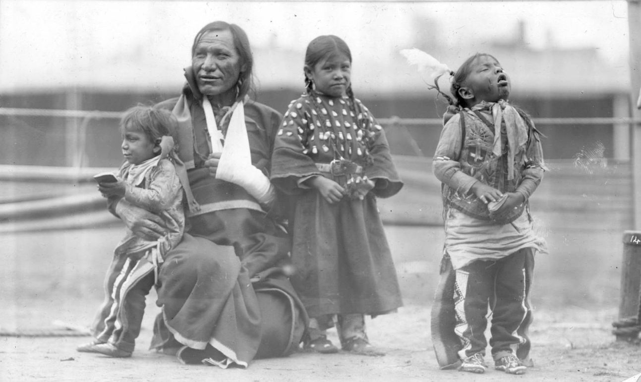 http://www.american-tribes.com/messageboards/dietmar/picketpin13.jpg