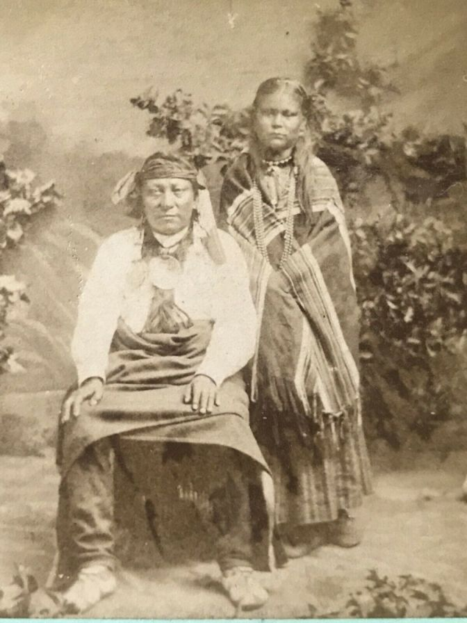 http://www.american-tribes.com/messageboards/dietmar/reddogdaughter1.jpg