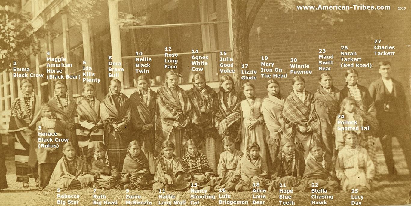 http://www.american-tribes.com/messageboards/dietmar/siouxgirls1879c2015.jpg