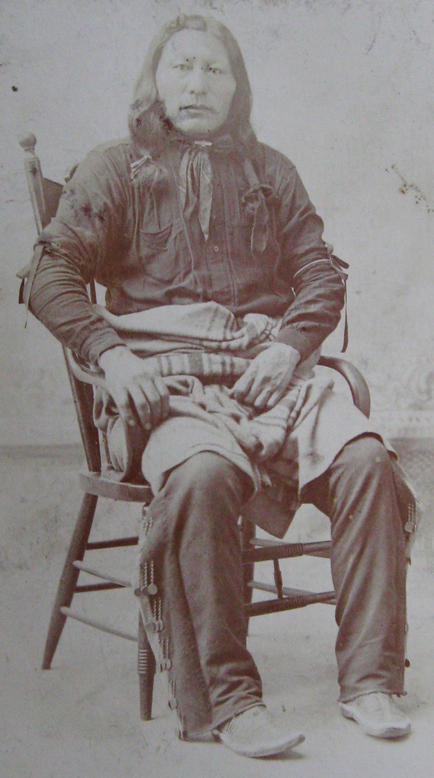 http://www.american-tribes.com/messageboards/dietmar/unidentifiedHunkpapaman2.jpg