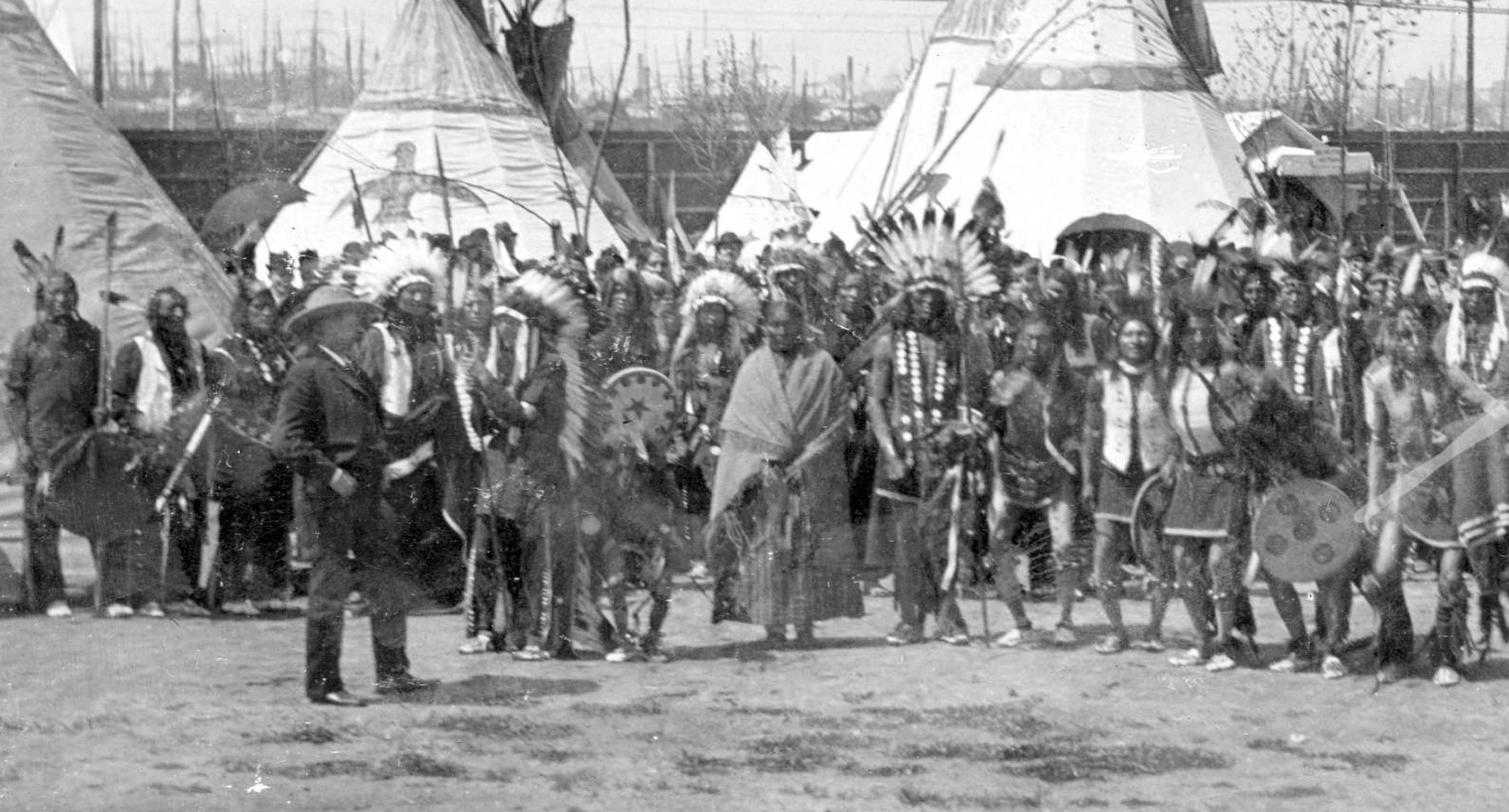 http://www.american-tribes.com/messageboards/dietmar/weddingHighBear2.jpg